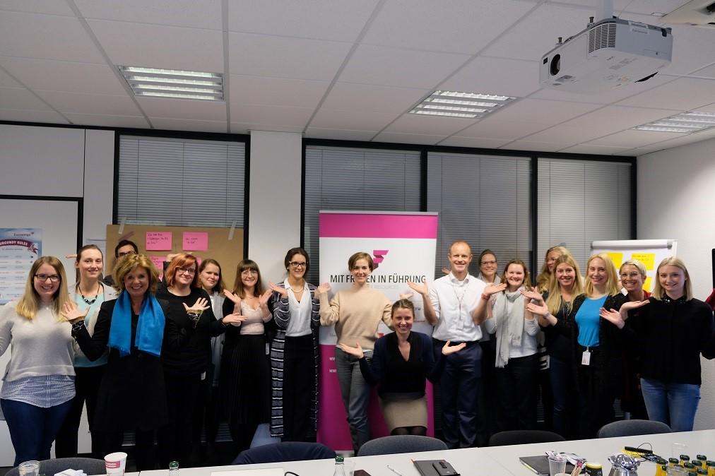 Eurowings-CFO Frank Bauer trifft Akademikerinnen und neue Führungsfrauen im Unternehmen